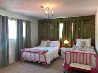 Amazing Family Retreat In The Heart Of The Silver Valley!