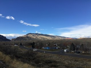 Spacious 4 Bedroom, 3 Bath Home Only 1/2 Mile From Downtown - Cody, WY