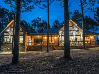 Lost Creek Lodge - Well Appointed Lodge, Game/Bunk House, 4 Masters, Sleeps 14