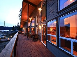 7-bedrm Luxurious Lakefront Home with Private Boat Dock, 3 decks over Bass Lake.