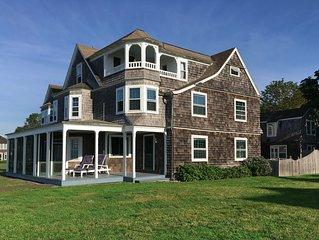 Classic Fenwick Summer Cottage on Long Island Sound
