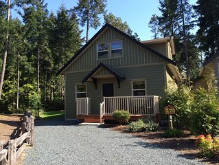 Deer Walk Through It - Luxury Parksville Cottage