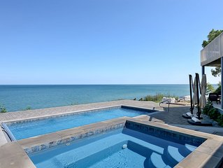 LAKEFRONT POOL AND HOT TUB  Close to downtown New Buffalo!