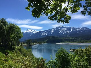 Newly renovated 2 bdr apartment in Revelstoke B.C. Walking distance to downtown