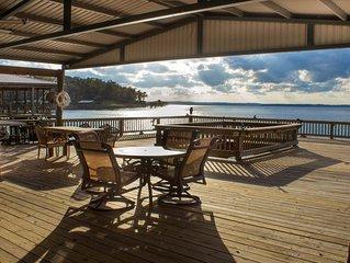 Belle Vue Lakehome - Majestic Views - Deep Water - Tons of Amenities