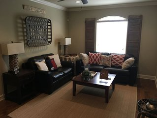 Great Oxford Condo Only 1 Mile From Campus