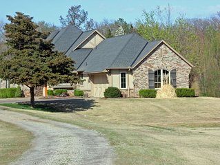 Two Bedroom Cottage on the shores of Cedar Isle Lake
