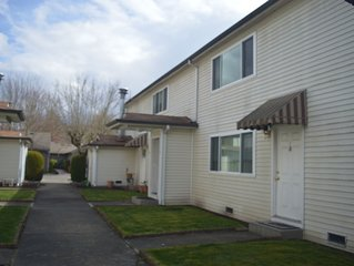 Issaquah's Inn with a 2 Bedroom & 1 Bath Suite