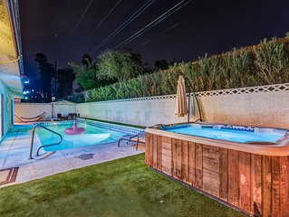 2900sqf 5BR/3BA 2 min from Convention center 5 min from Strip Large pool 31days+