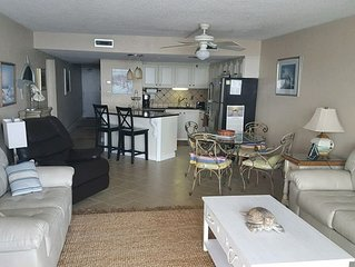 *NEWLY REMODELED* Oceanfront 3 BR, 3rd Floor