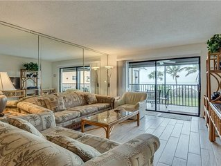 Beachfront, Spectacular Views and Sunsets, Bright Corner Condo, Great Location!