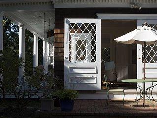 Designer's Dream - Charming Boathouse in Greenport Village