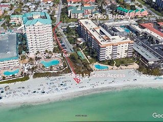 Lido Key Sarasota Pool Side Condo, Steps from Beach, St Armands Circle.