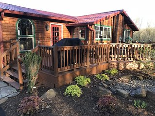 5 STAR-SUPER CLEAN**Southern Grace Cabin** NEW HOT TUB**January availability!!