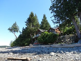 On The Beach  on Quadra island- Quaint Heriot Bay . Excellent Location ,