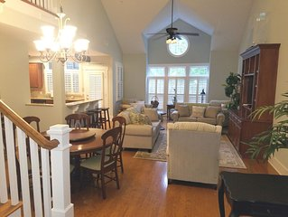 Spacious Upscale Condo,  Monthly Rates Available October- April,  Call Owner