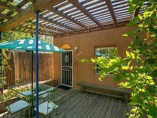 Beautiful southwest casita in walking distance to historic Nob Hill on Route 66.