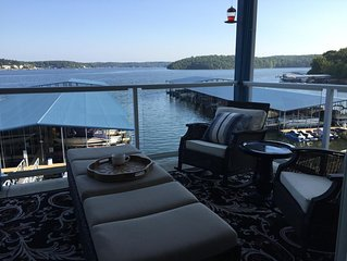Aw Condo Sweet Condo!  Spacious w/ Gorgeous Lake View!