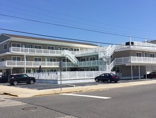 3rd Floor, End Unit, Perfect For A Small Family In Beautiful North Wildwood!