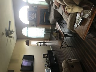 Beautiful Hunters Paradise 4 bedroom on edge of town.