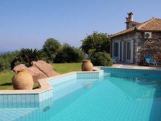 Villa mit Pool in exponierter Lage, Meerblick, Wifi | Messenien, Peloponnes