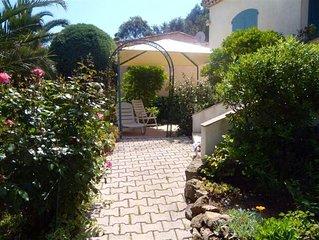 Appart climatisé  3 *   ,2  chambres à  600m de la plage gigaro avec jardin .