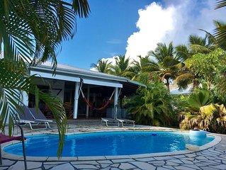 Maison climatisée avec piscine à 250m de la plage
