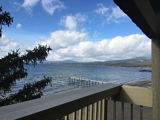 LAKE FRONT TOWN HOME  HOLIDAY Dates Avail. NOW; Right on The Private Beach !!