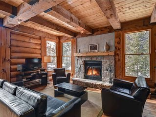 Log Wood Cottage with JACUZZI in Mont Tremblant area- Ski-Lake access