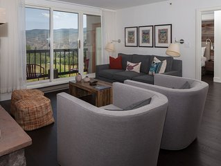 Ski In & Out w/ Slope Views. Clean Remodel w/ Heated Parking, Pool and Free Wifi