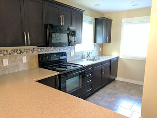 Prime rates!! 3 bed 2 bath, Wifi, Cable, Pool/Hot Tub, BBQ, Mini Golf, Beach