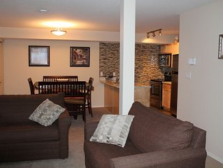 Sun-Facing 1Bdr Condo with Ski in Access, Mountain View, and free WiFi