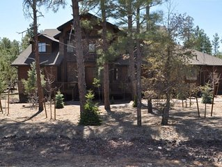 Large Beautiful Cabin in Torreon Country Club