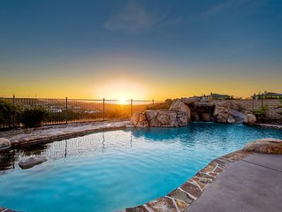 Kids paradise, BBQ, salt water pool, AC, strollers, crib (Only families)