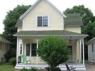 Charming 4 bedroom in the heart of Grand Haven!Winter 1200/mo. 4 month minimum.