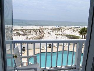 Pristine 4 bedroom houses, Private Beach, Pool & Amazing Views