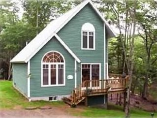 Waterfront Cottage!  2 Bedroom, 2 Bath  **Walk to Town*  1/2 Mile to the Harbor