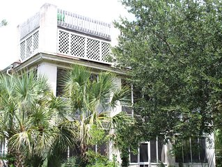 Lovely Historic Home on Sullivan's Island - Beach 100 Yds, Excellent Pricing.