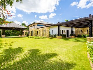 Casa de Campo Luxury Villa on the Golf Course with Butler, Maid and Cook Staff