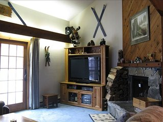 Cozy & Convenient Ski In/Ski Out Condo on Bromley Mountain