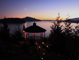 1-2 BR Luxury Oceanview Suite, 25 Min to Vancouver