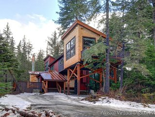 New rustic comtemporary custom chalet 1/2 mile from ski resort