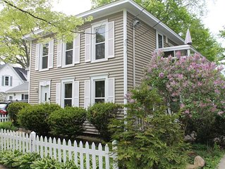 Charming home in great location in downtown Saugatuck!