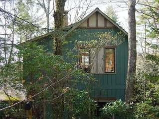 Enchanted Cottage - Private, Peaceful, and Only 5 Minutes to Main Street