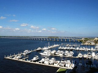 Luxury Waterfront High Rise Condo w/Spectacular Views at High Point Place