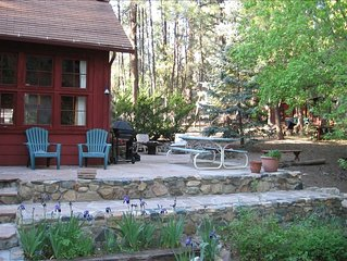 RUSTIC & CHARMING CABIN ON GROOM CREEK...  NO EXTRA CLEANING FEES !!