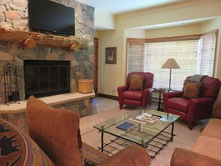Great Value at The Charter 2BR-2BA/3 Beds, Ski-in/Ski-out, Steps from Village.
