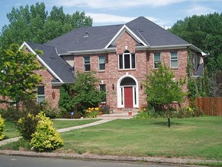 Lovely Estate near The Broadmoor, Discounts for Summer