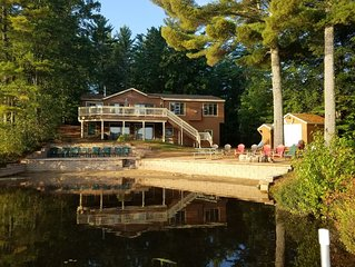 LAKEFRONT, pool table, fishing, swimming ...Great Family Location