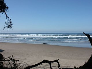 Luxury: 3 Acres Oceanfront with Private Beach Access